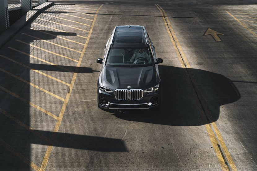 BMW X7 ZeroG Lounger 06 830x553