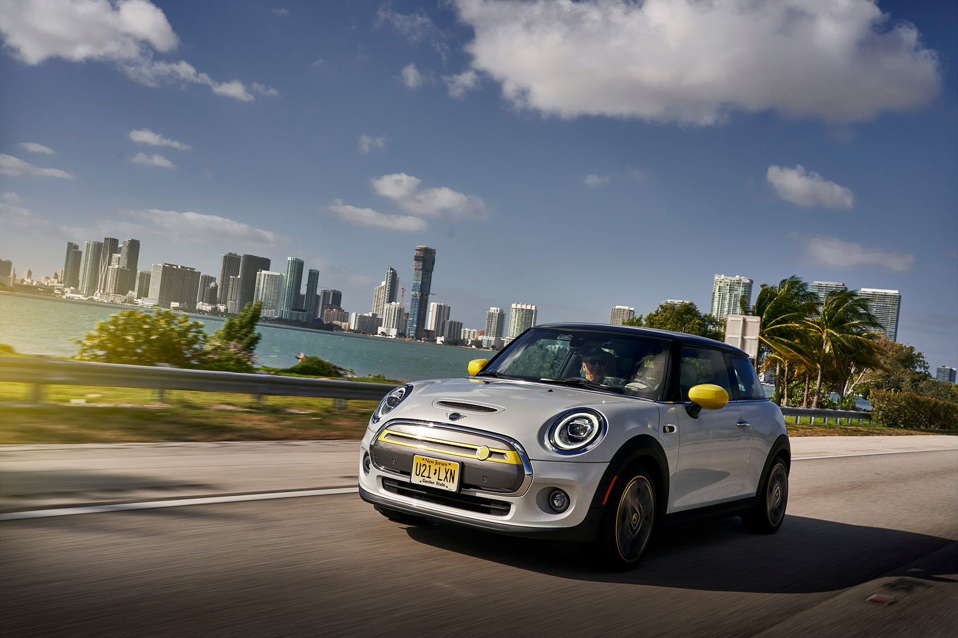 MINI Cooper SE Review Horatiu Boeriu