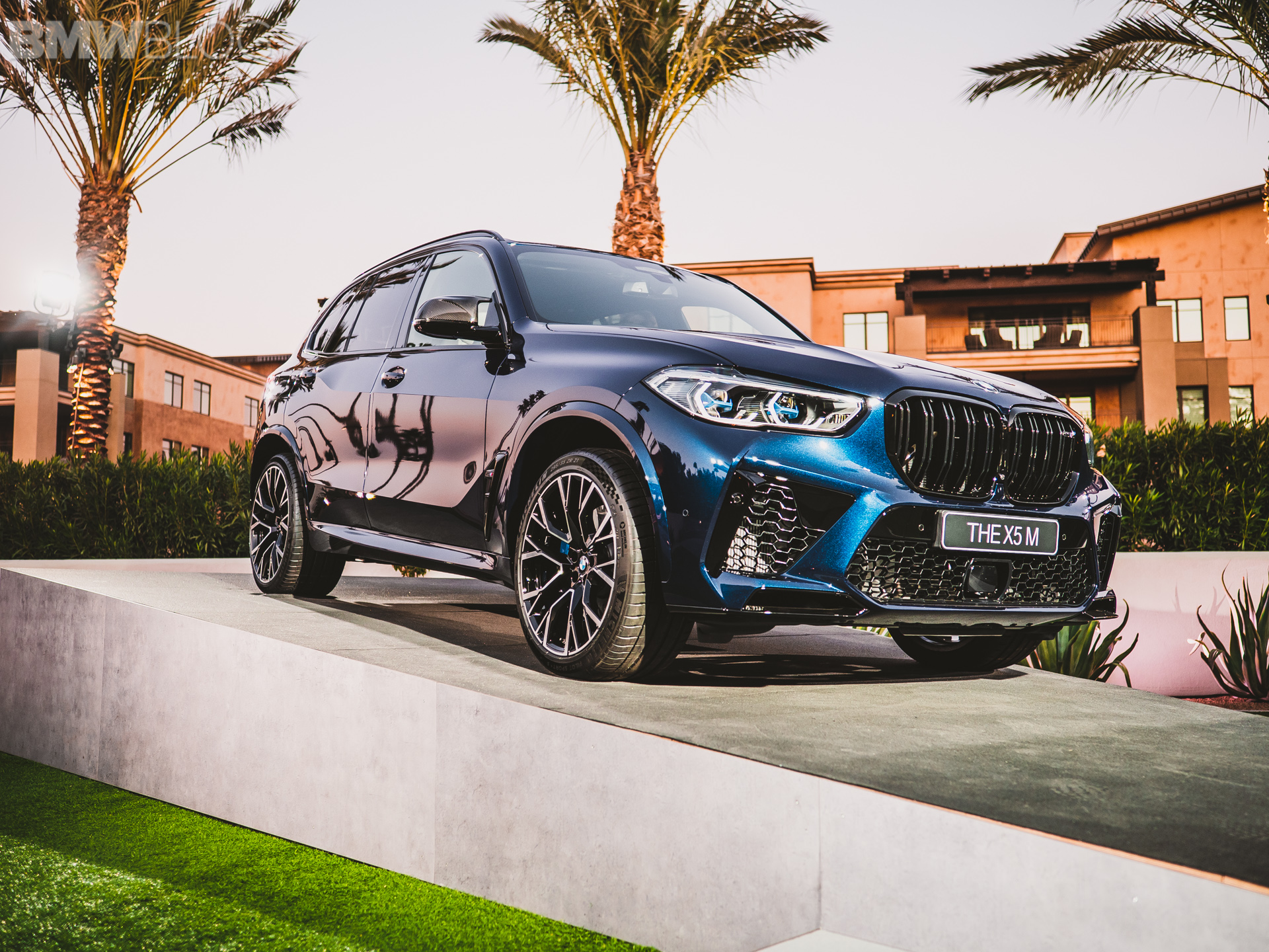 2020 BMW X5M Competition Tanzanite Blue 13