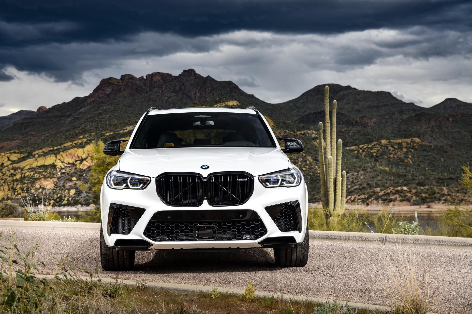 2020 BMW X5M Mineral White 44