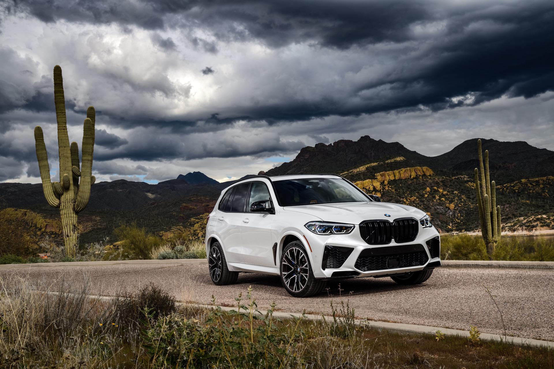 2020 BMW X5M Mineral White 47
