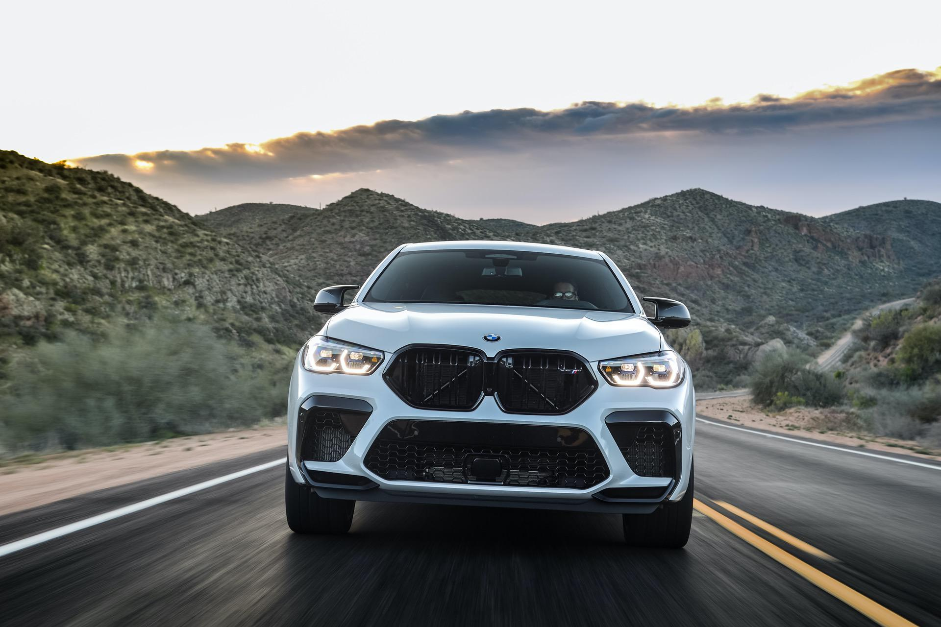 2020 BMW X6M Competition Mineral White 00