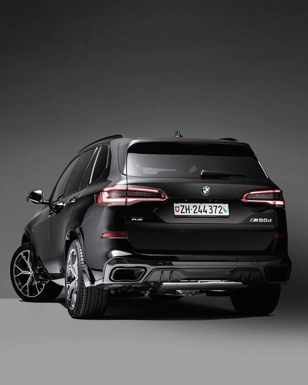Bmw Switzerland Launches The Special X5 Edition 20 Jahre Limited Edition Models
