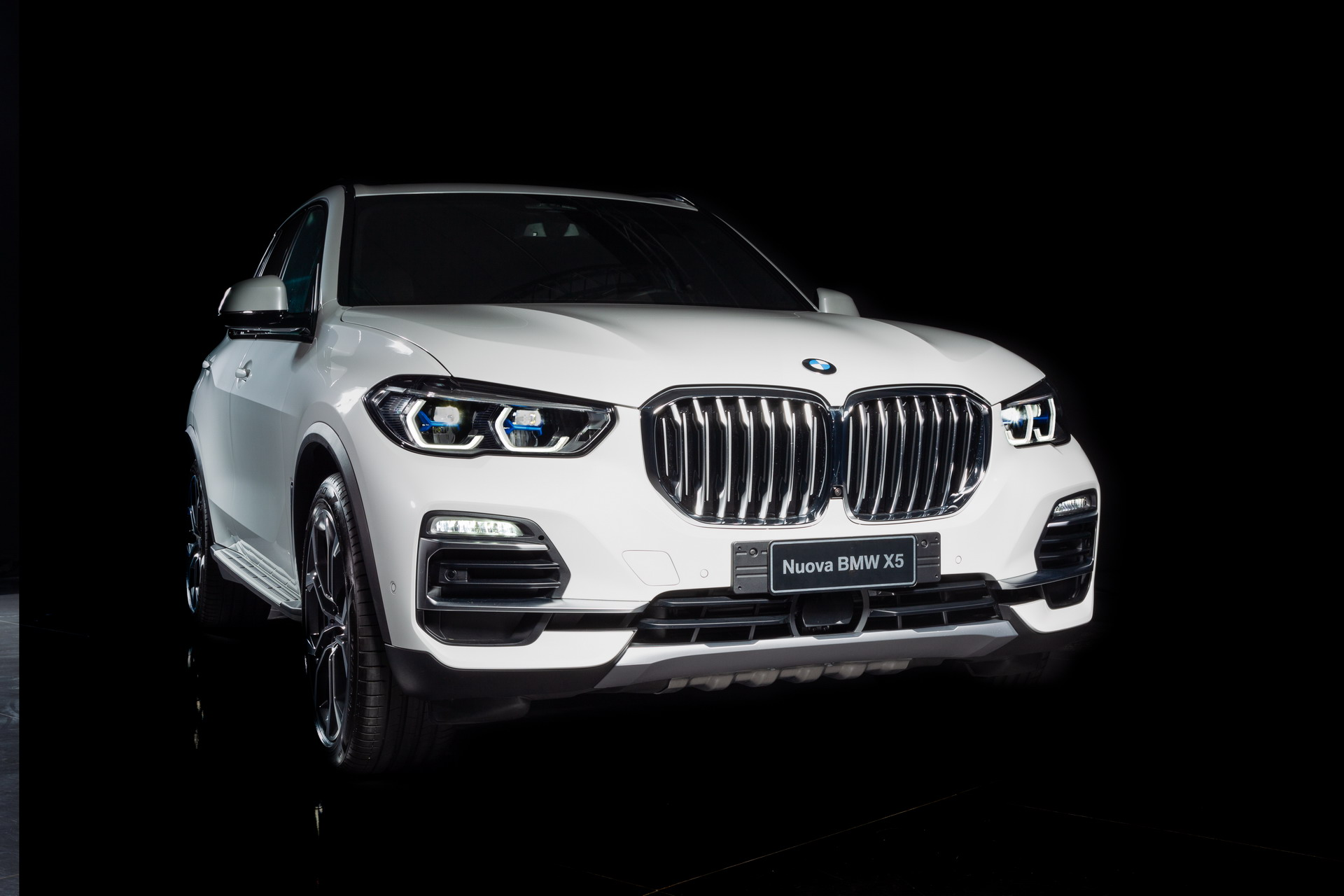 Bmw Teams Up With Alcantara In Italy To Create The X5 Timeless Edition