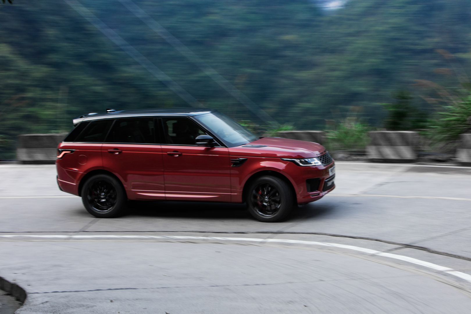 2022 Range Rover Sport might pack a twin-turbo BMW V8
