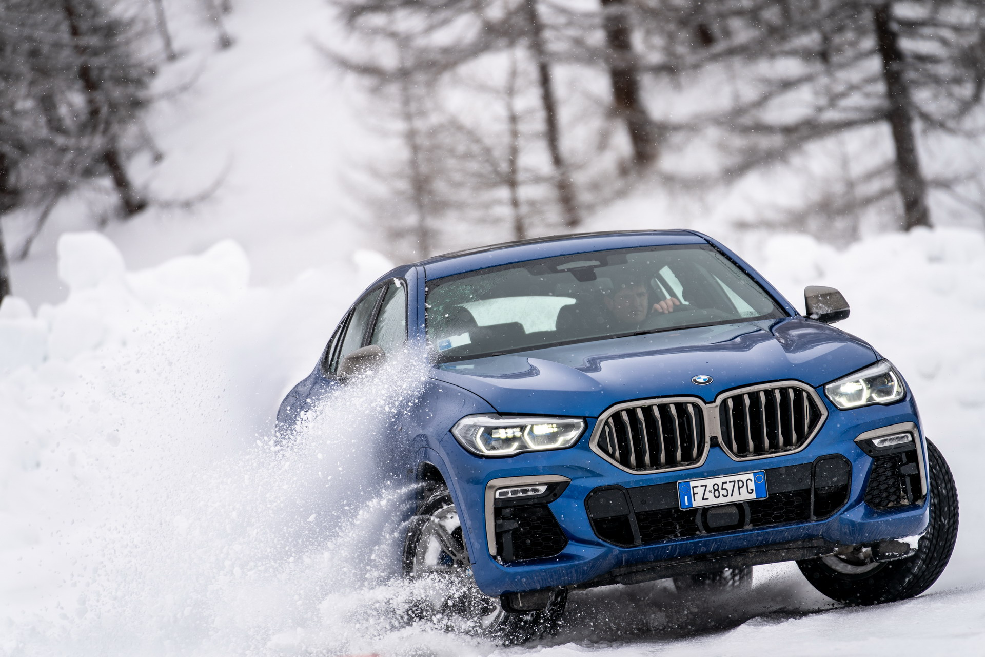 The new BMW X6 G06 Italy 12