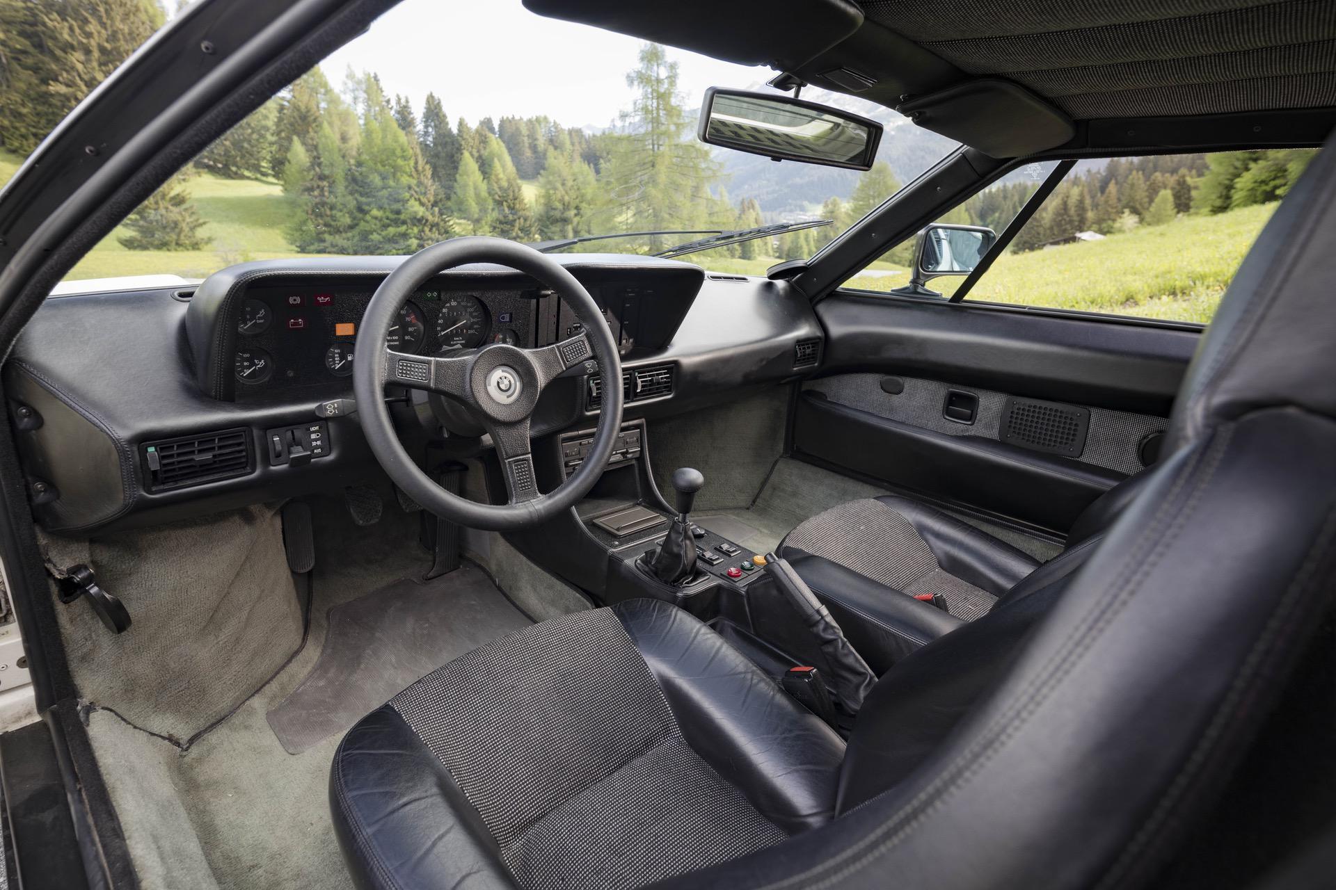 1980 BMW M1 White 53