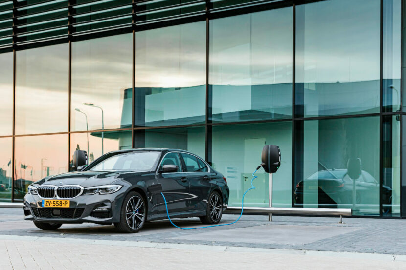 BMW 330e eDrive Edition 1 830x553