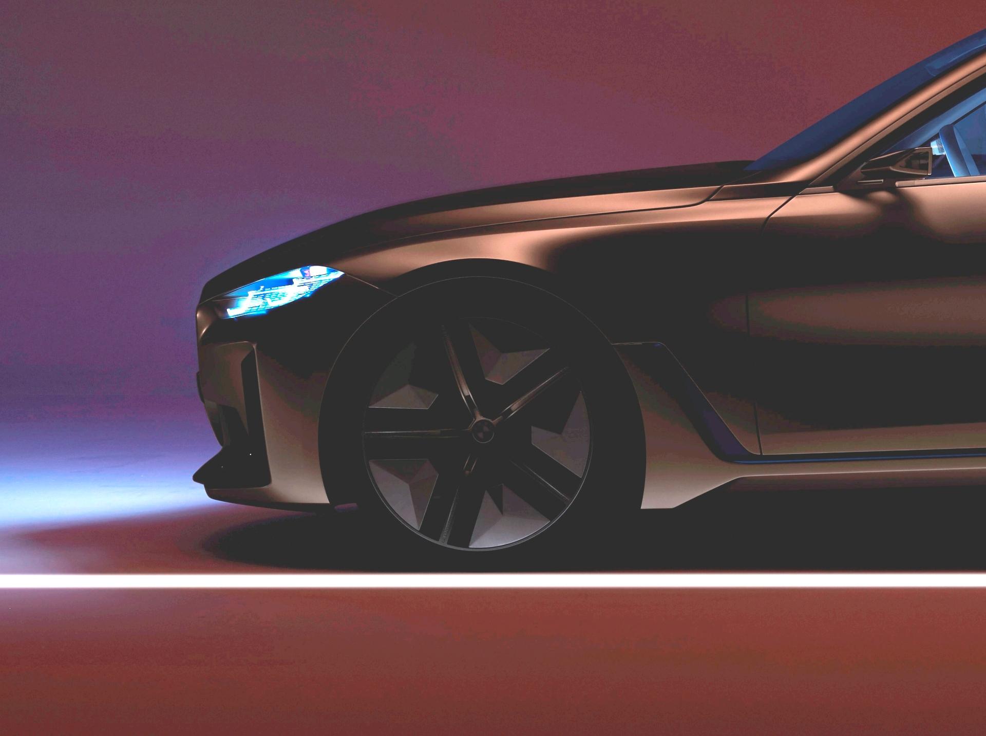 BMW Concept i4 Teaser 4