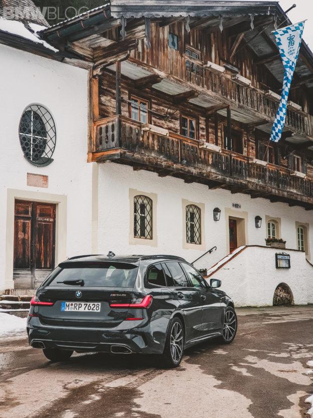 BMW M340i Touring photos 11 623x830