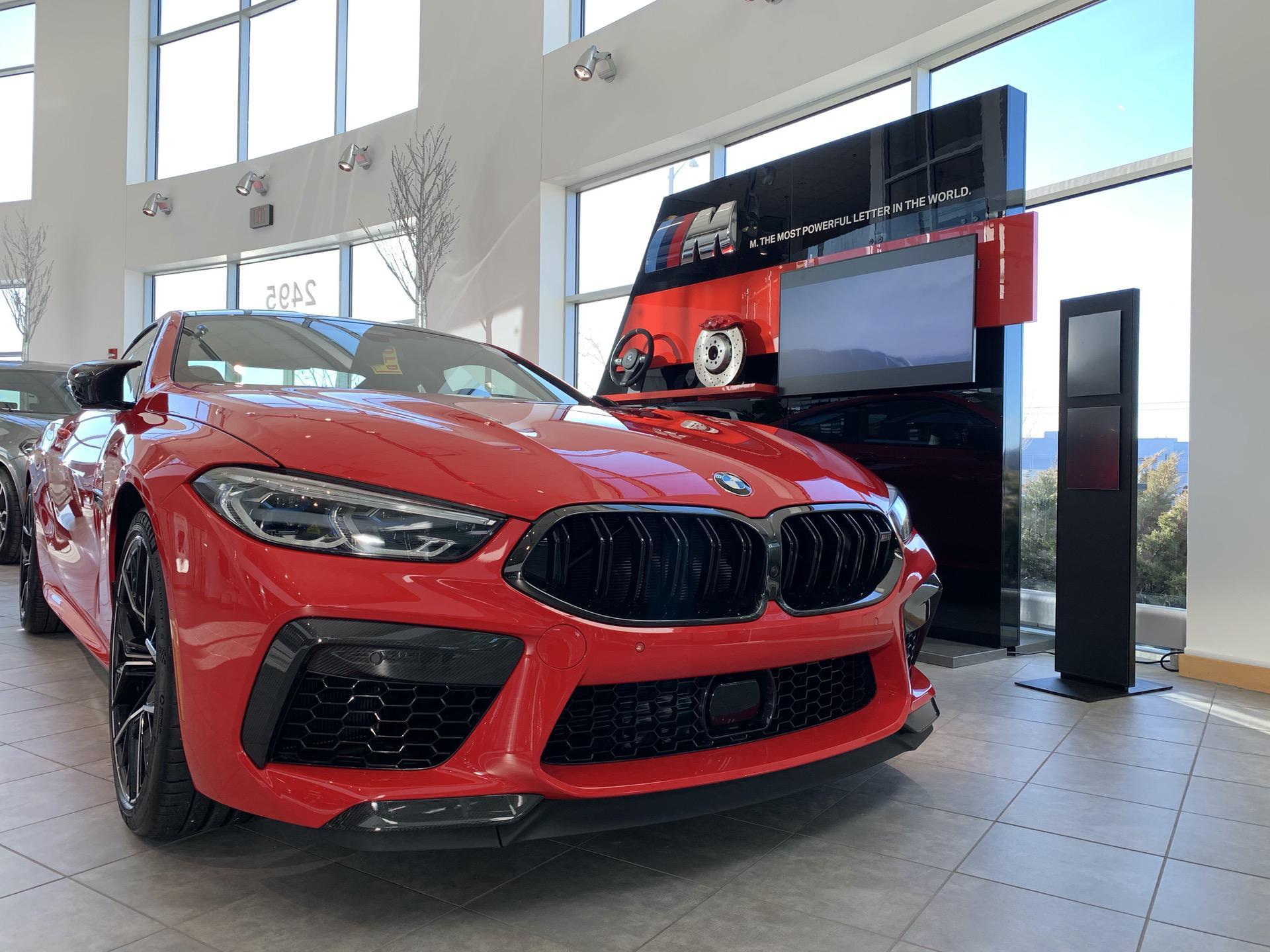 BMW M8 Rosso Corsa 00