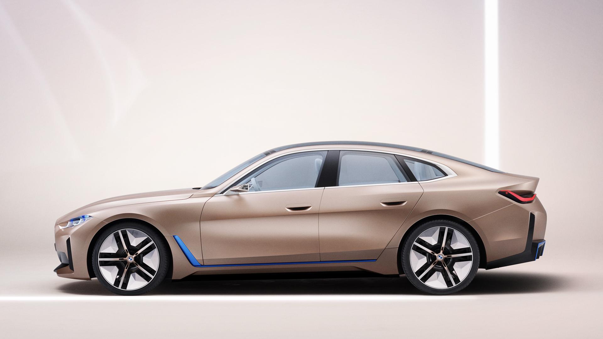 BMW i4 Concept vs Tesla Model 3 Performance 3