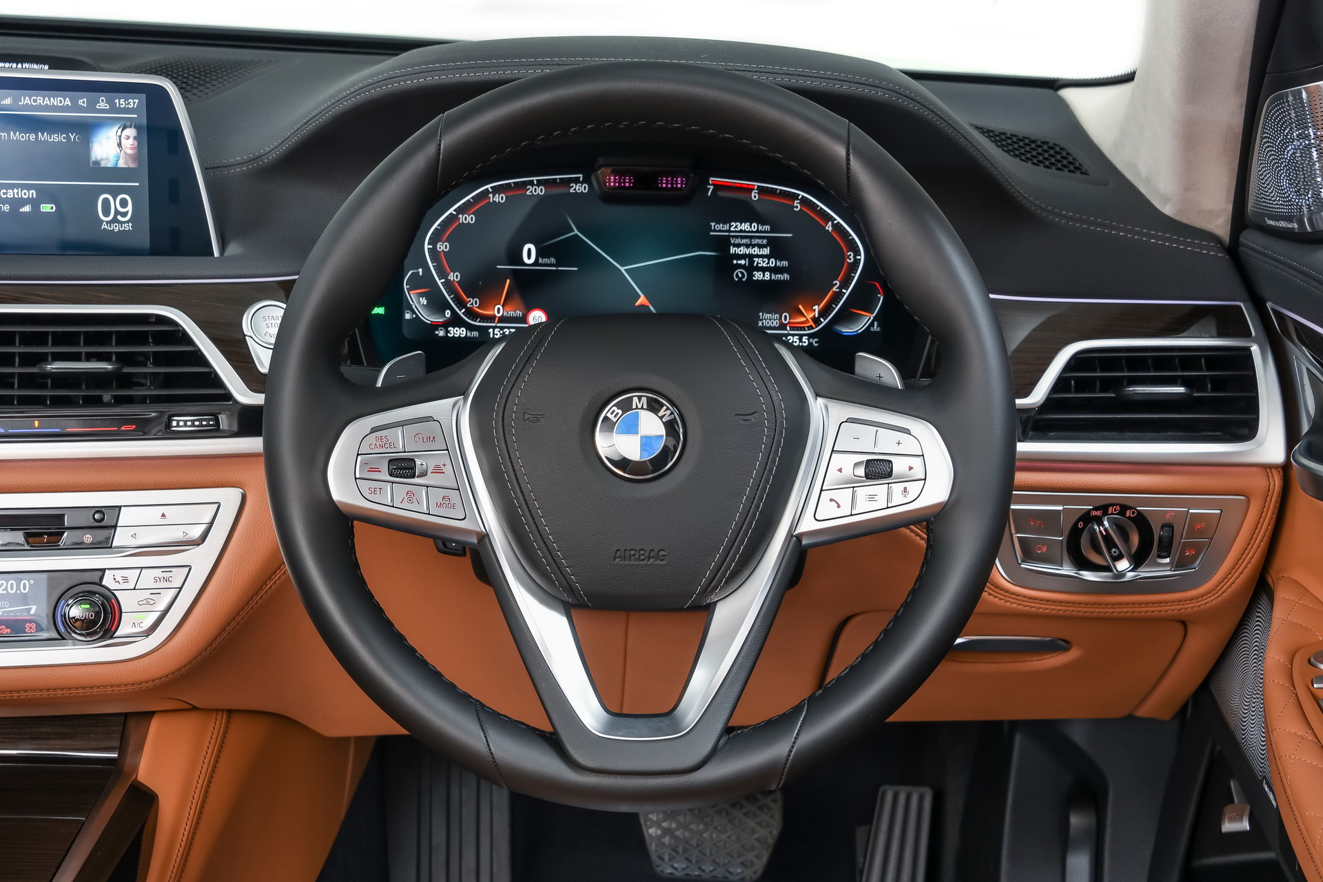 Bmw Wants A Transforming Steering Wheel For Autonomous Cars