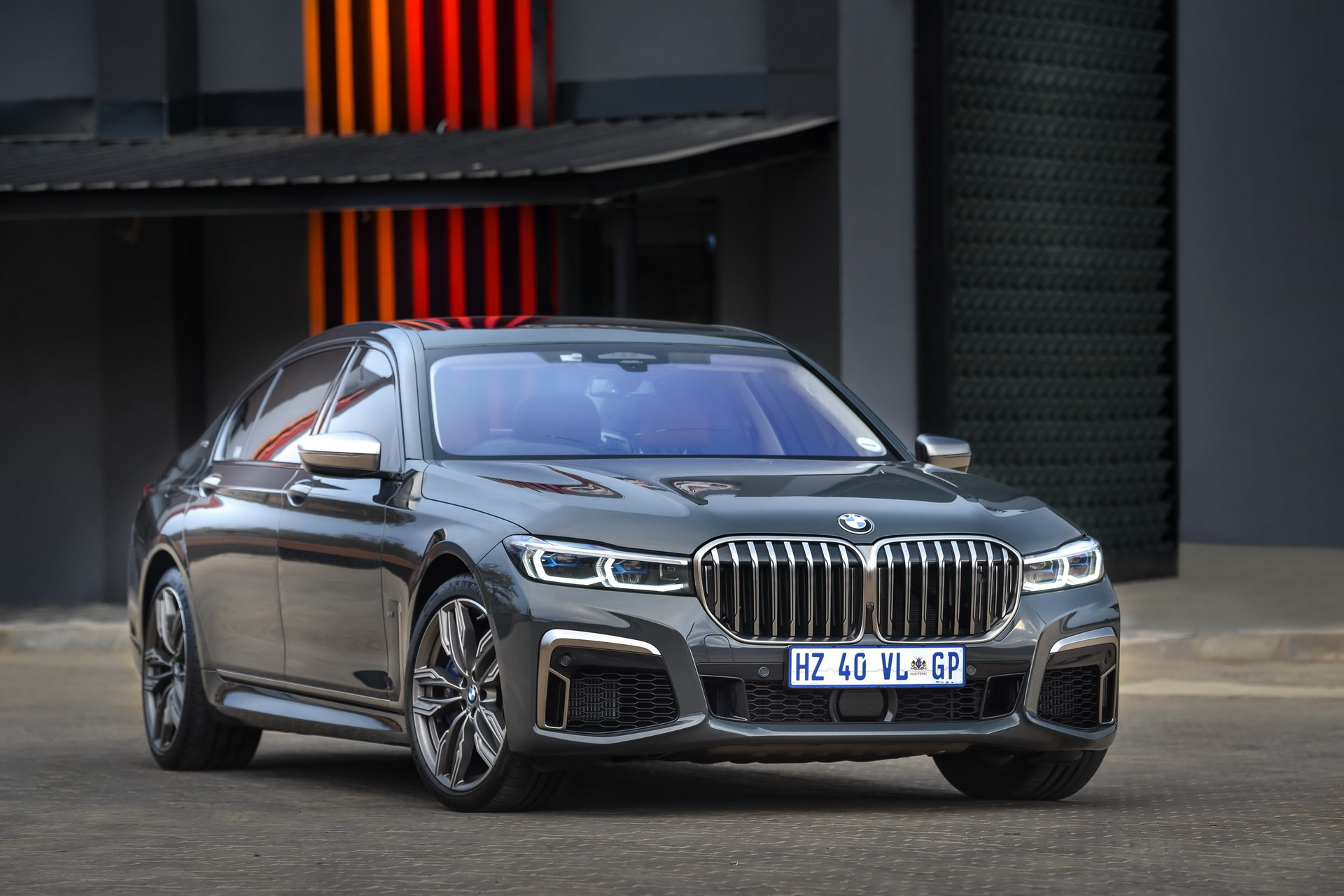 The New BMW M760Li xDrive G12 6