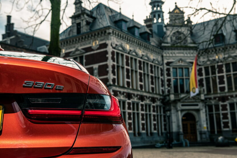 The new BMW 330e in the BMW eDrive Zones in G4 24 830x553