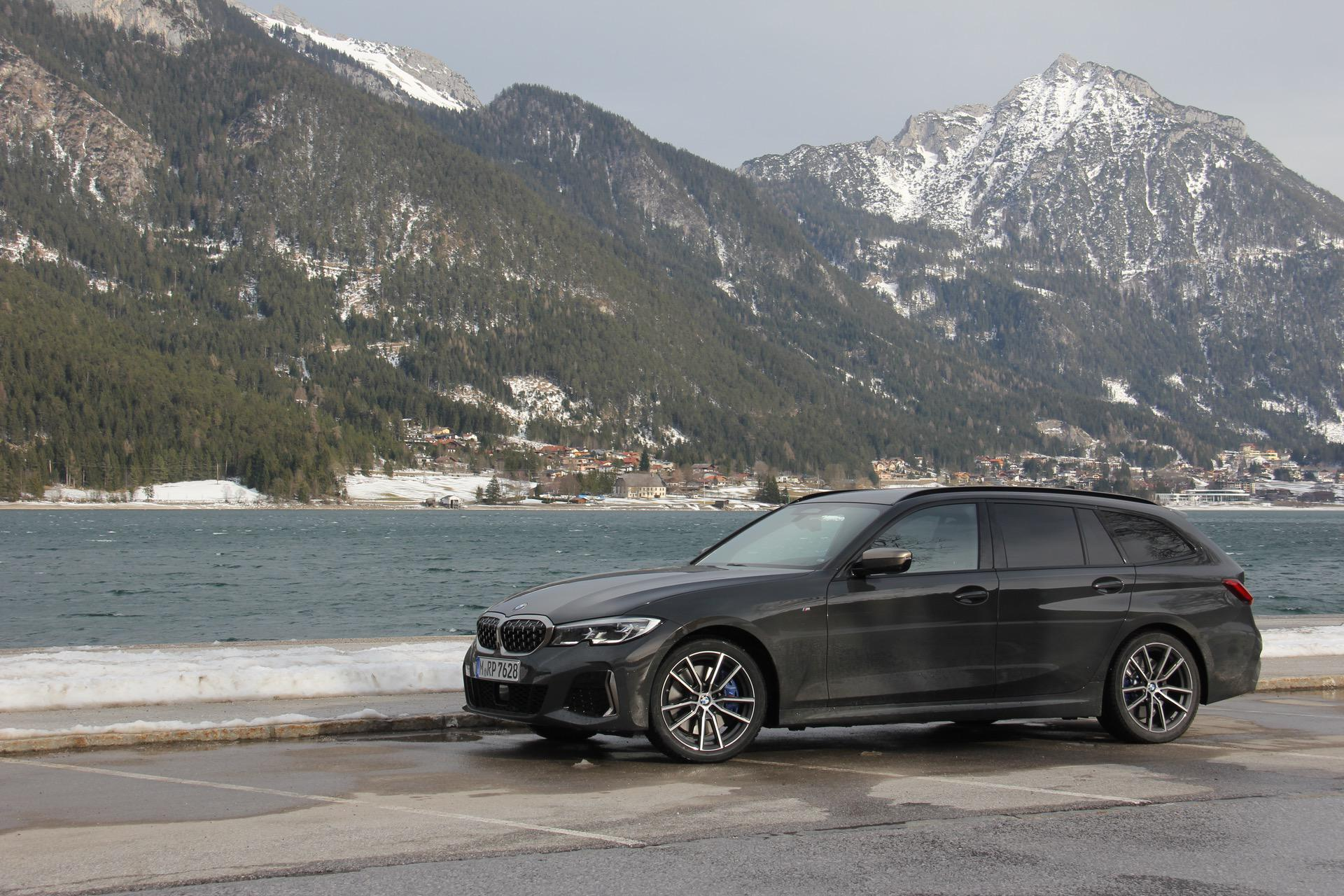 2020 BMW M340i Touring test drive 32