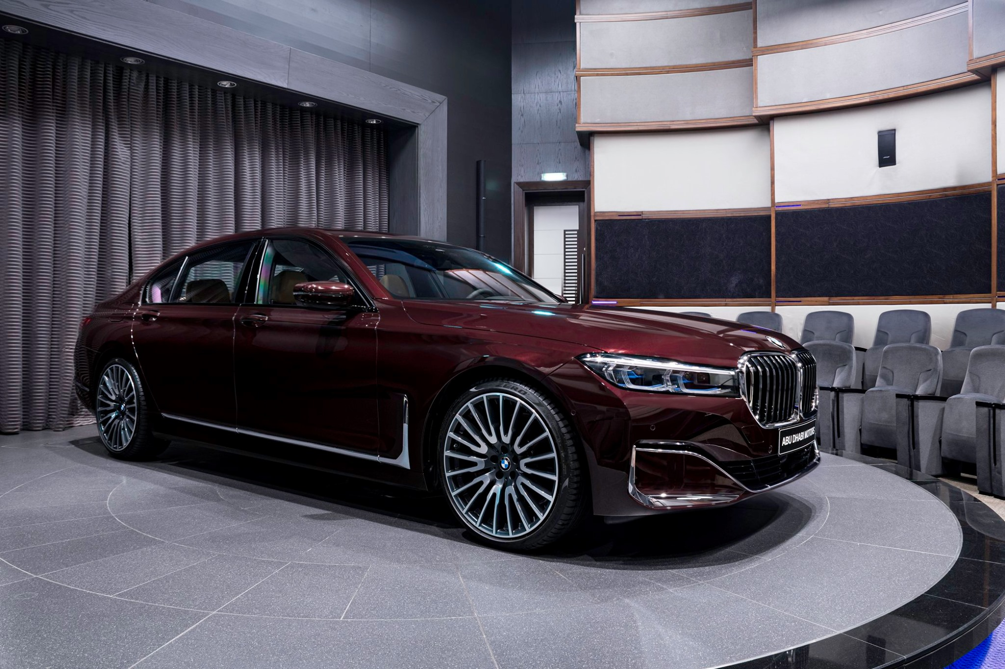 BMW 750Li xDrive in Royal Burgundy Red 1