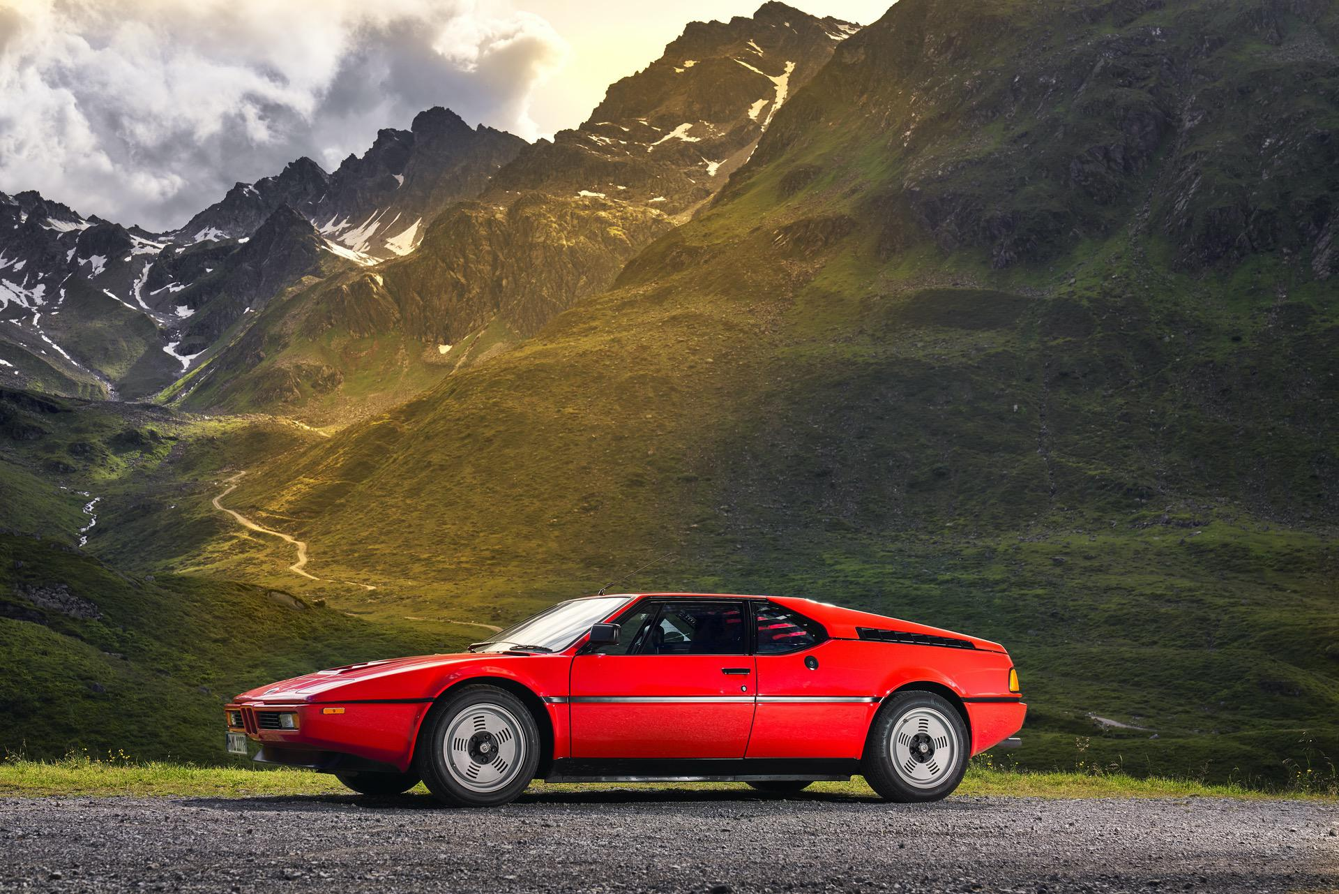 BMW M1 red supercar 18