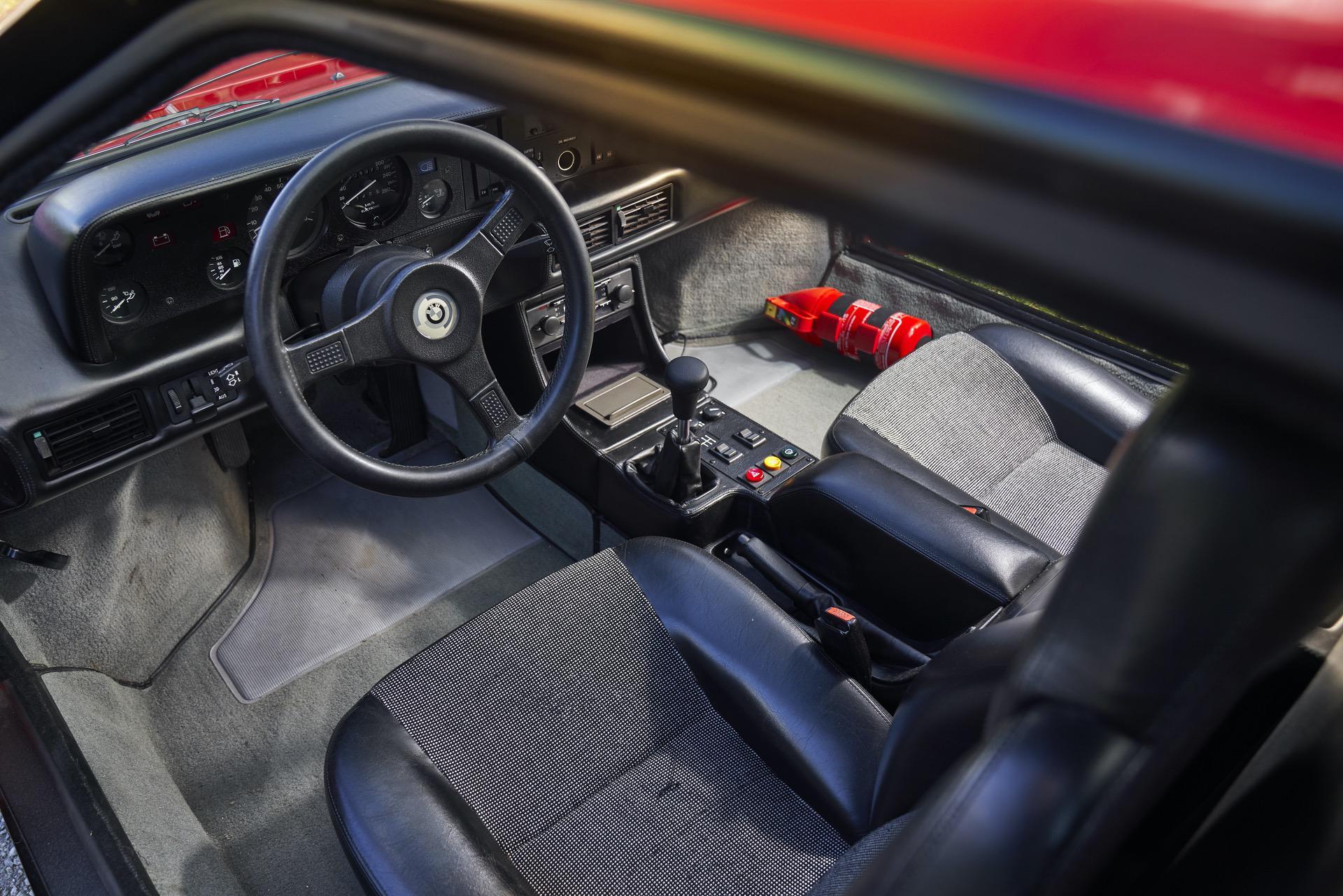 BMW M1 red supercar 19