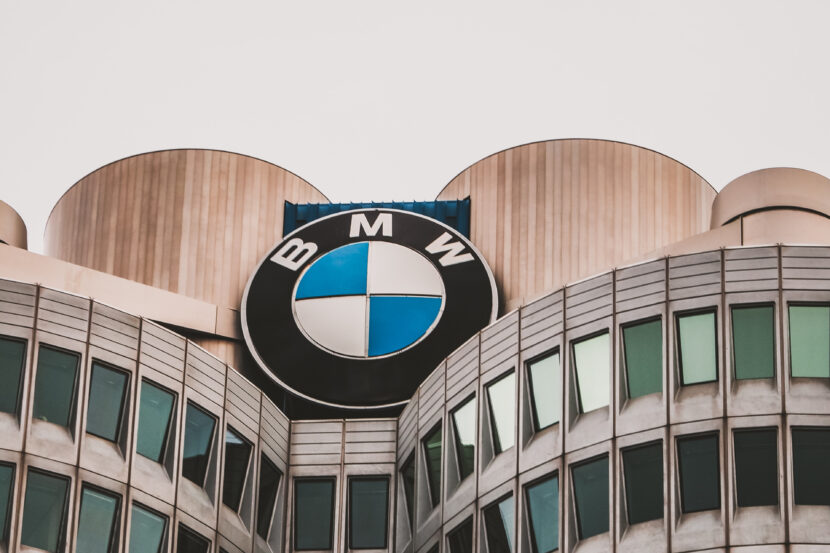bmw headquarters logo 1 830x553