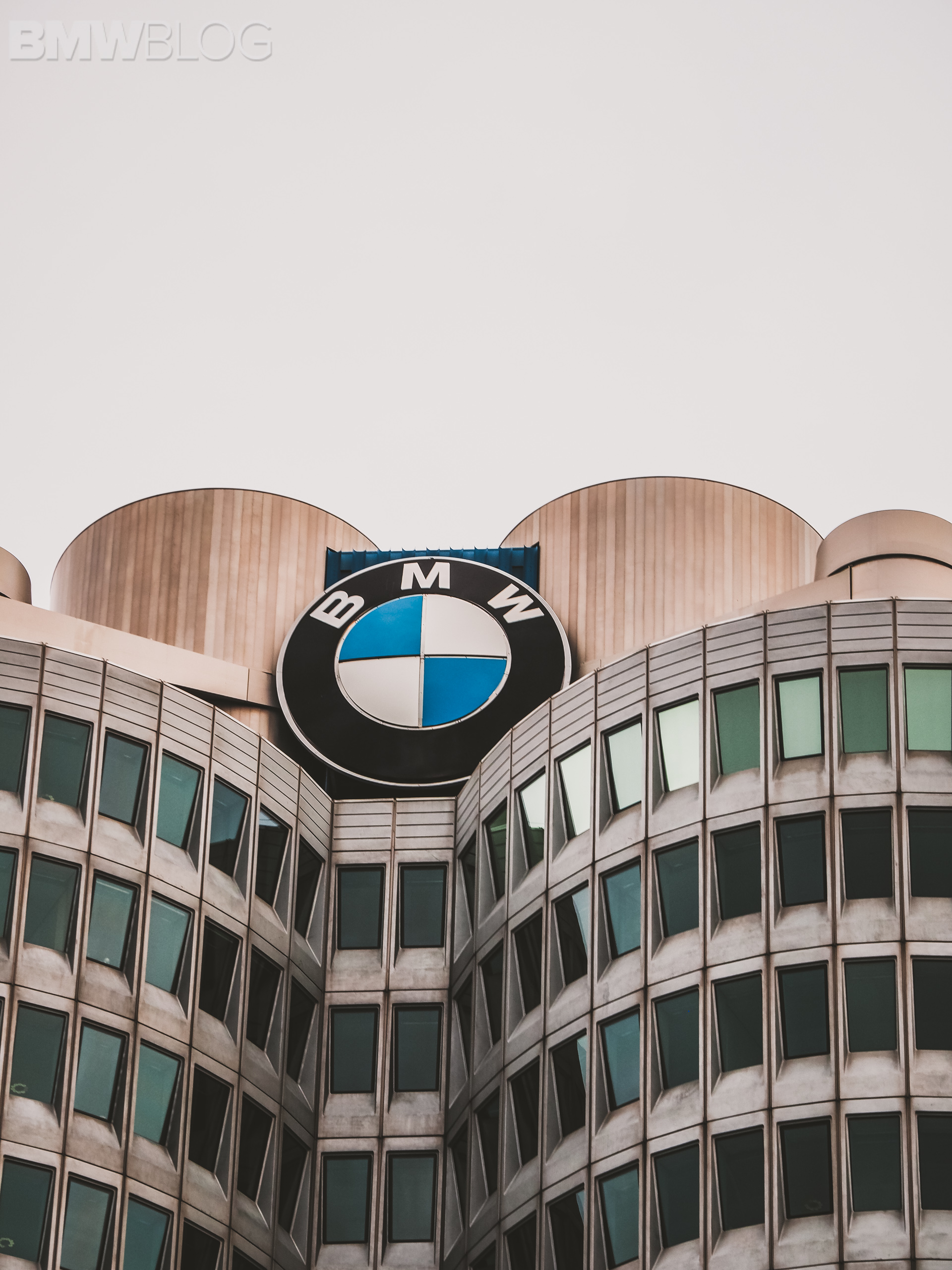 bmw headquarters logo 1
