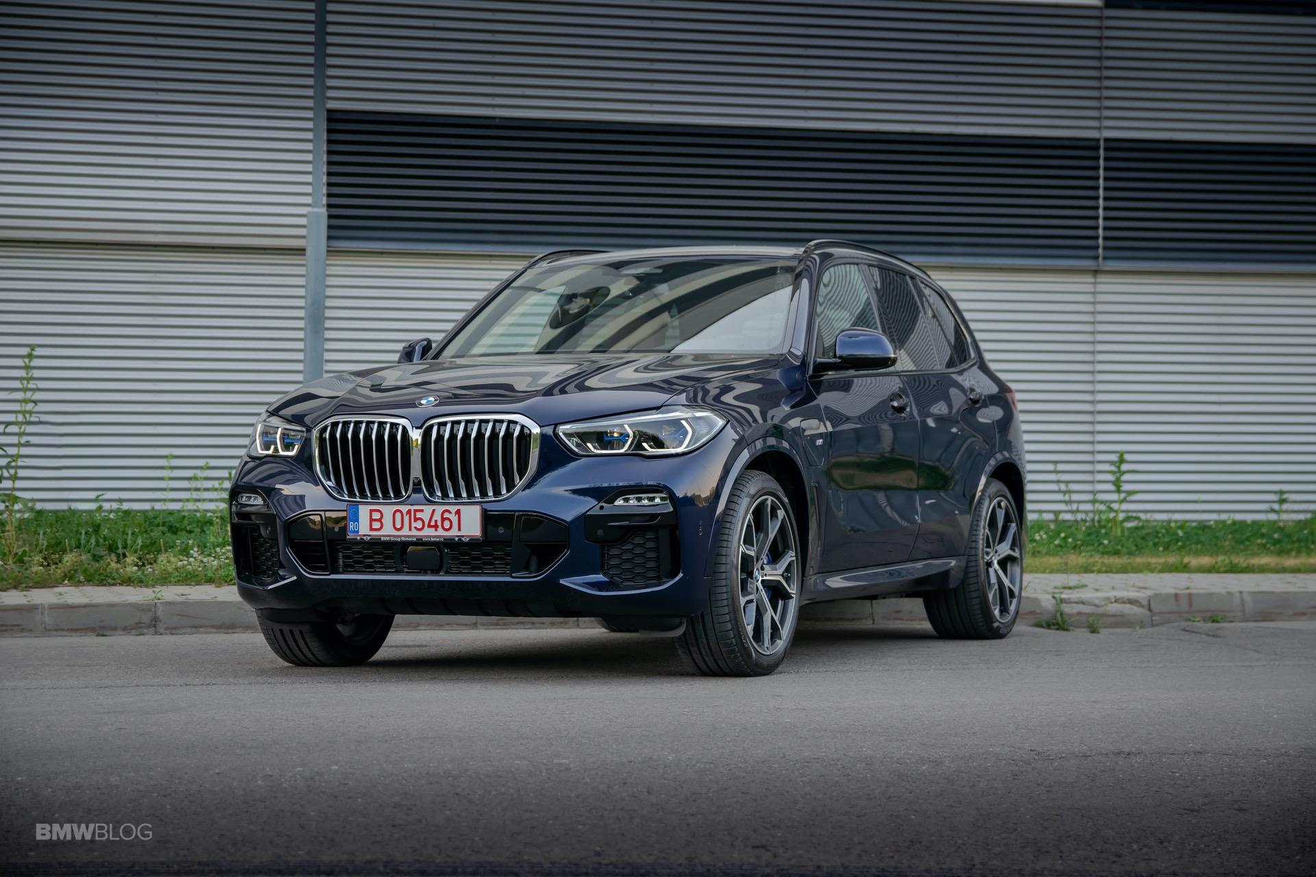 2020 BMW X5 xDrive45e Review 43