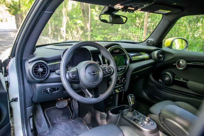 2020 MINI Cooper SE test drive 00 830x553