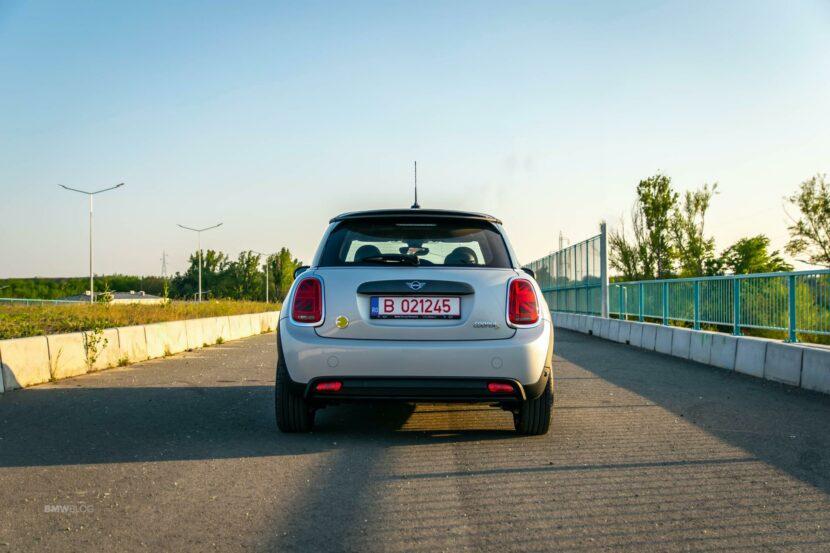 2020 MINI Cooper SE test drive 15 830x553