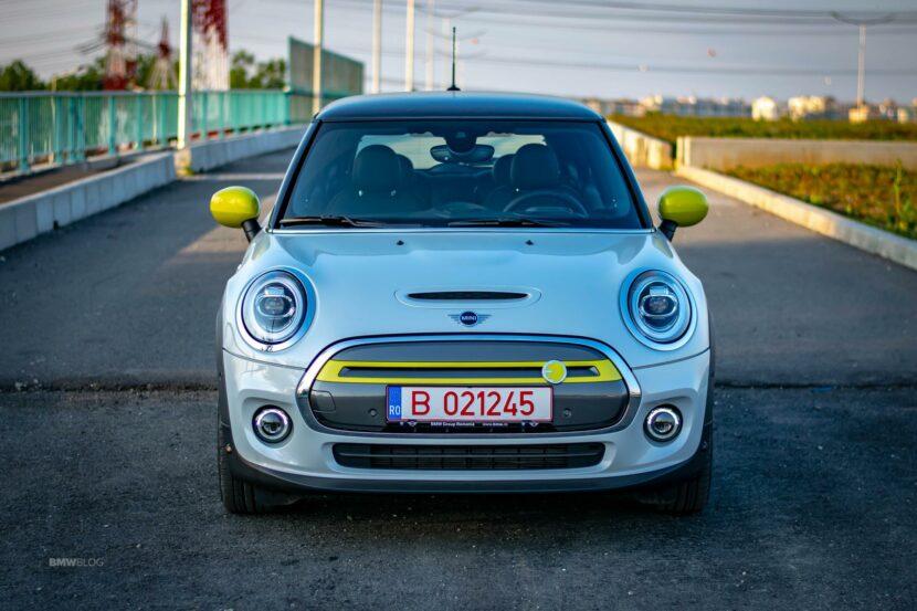 2020 MINI Cooper SE test drive 28 830x553