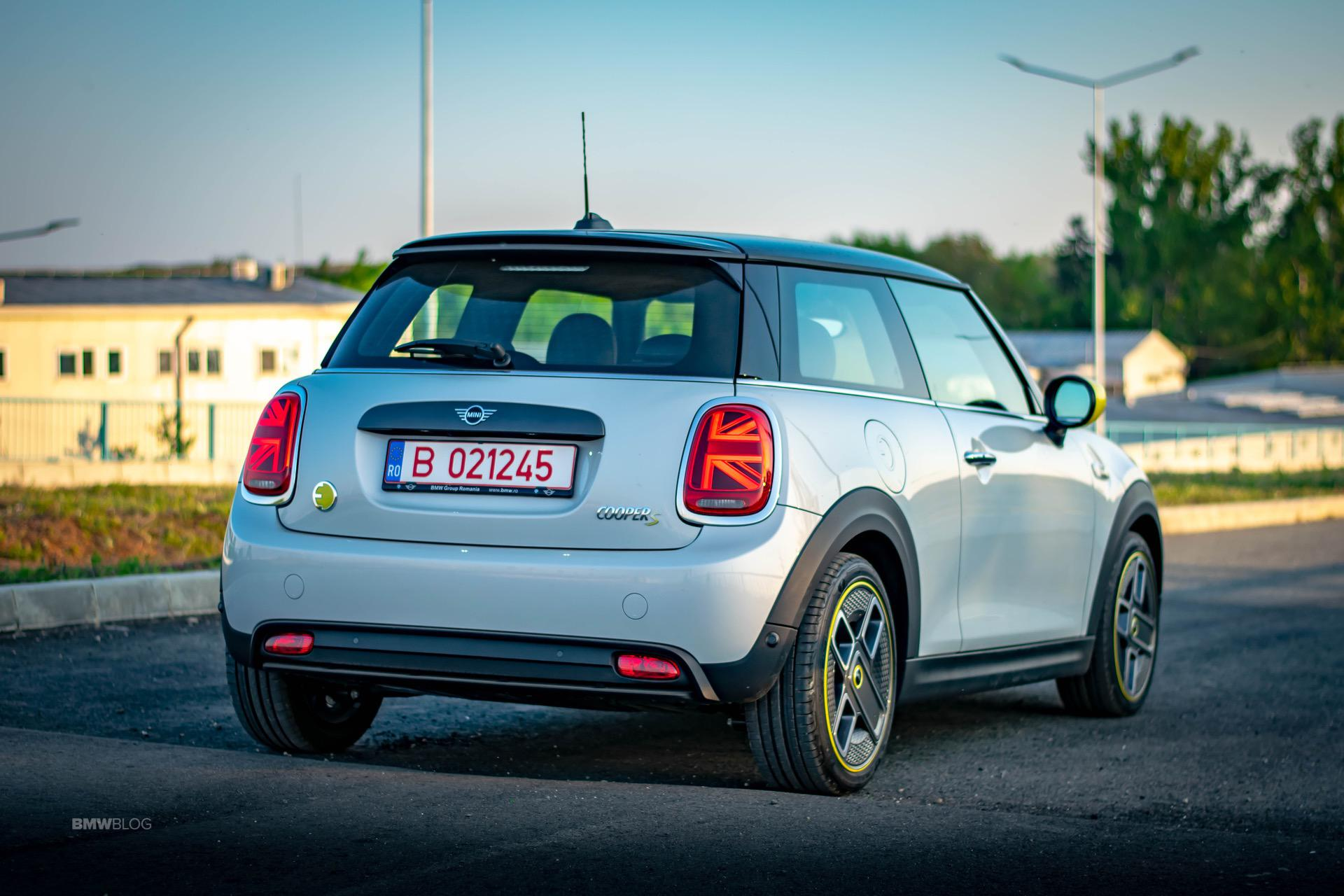 TEST DRIVE: 2020 MINI Cooper SE - The City Car For You