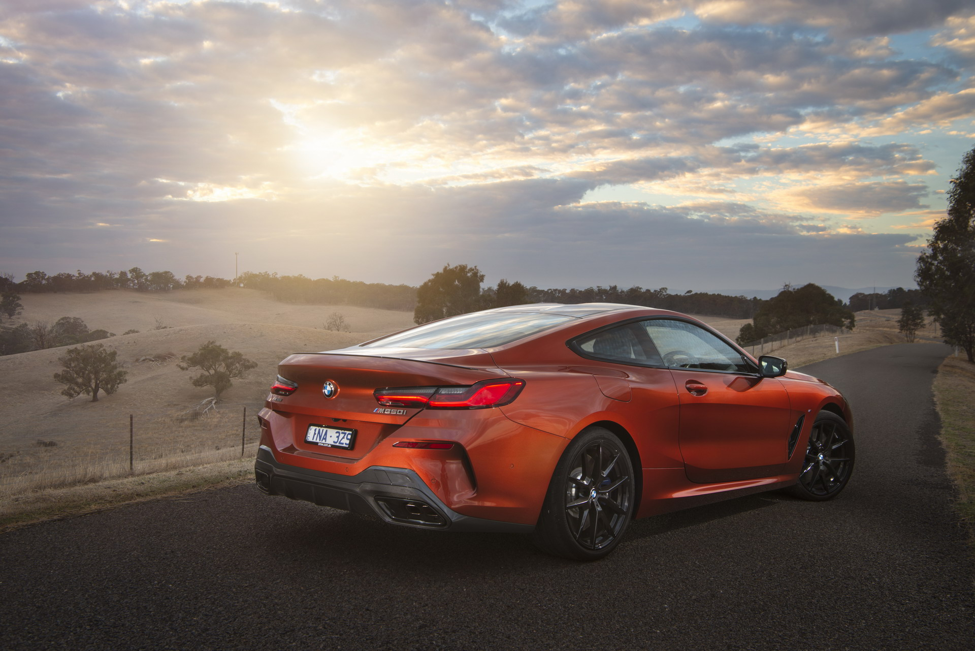 BMW M850i xDrive Coupe in Sunset Orange AU 62