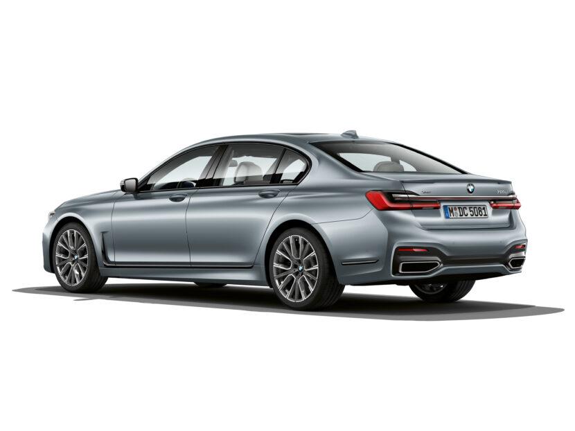 The BMW 7 Series in Frozen Bluestone metallic 2 830x622