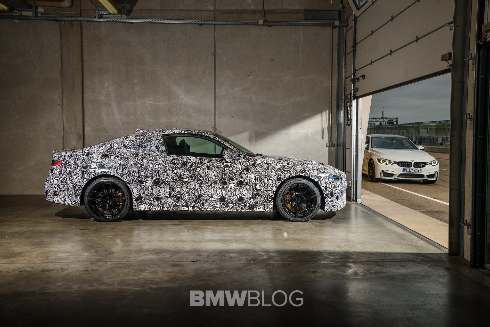 2021 BMW M4 Coupe camouflage 01