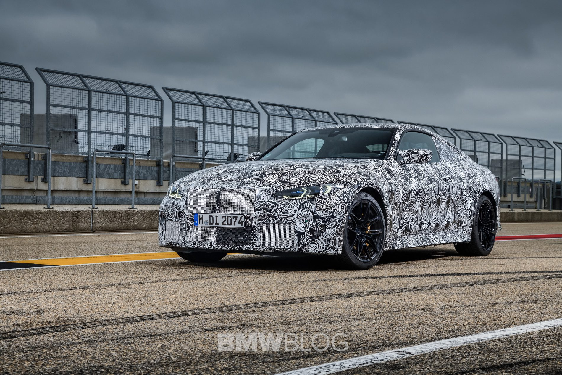2021 BMW M4 Coupe camouflage 07