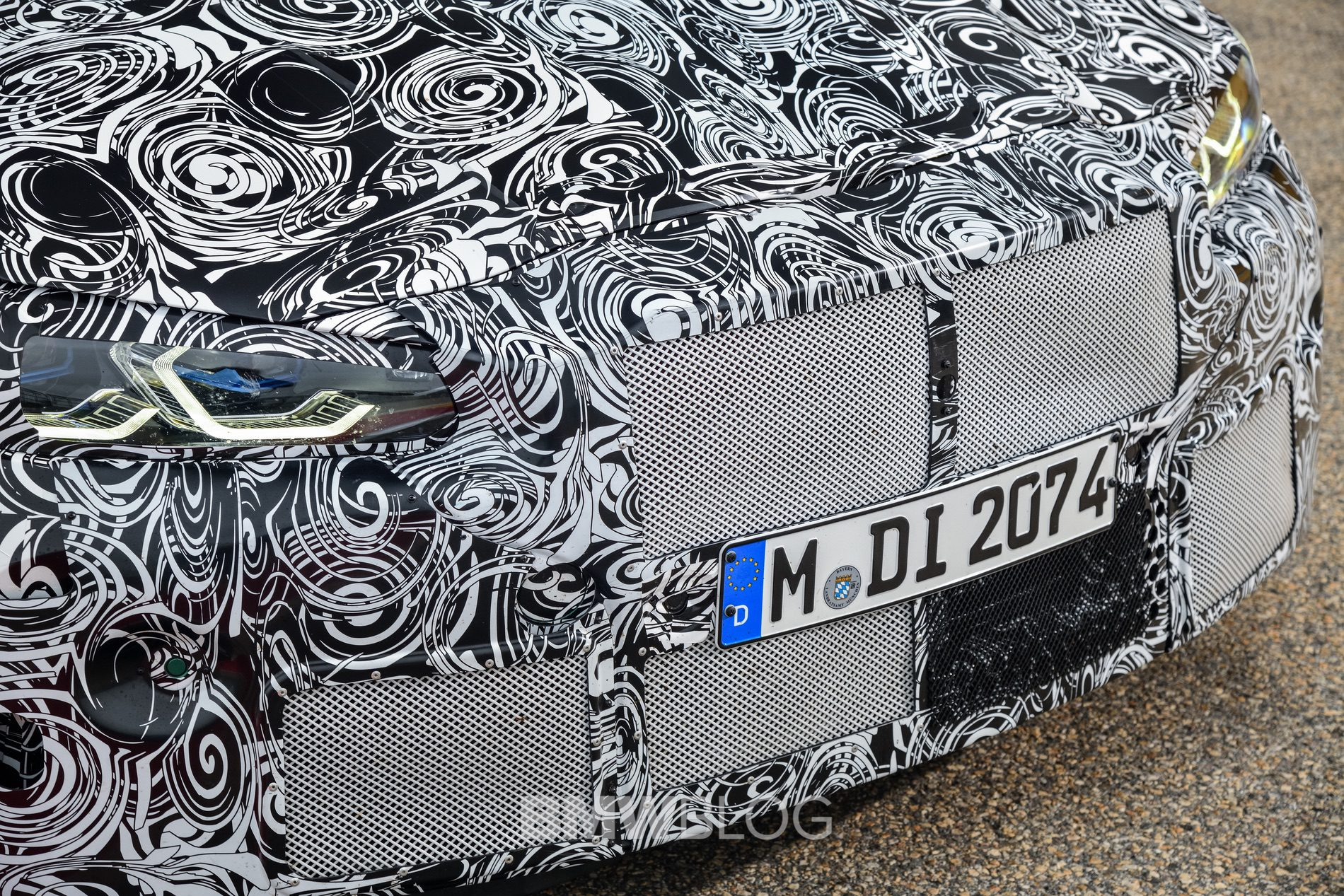 2021 BMW M4 Coupe camouflage 17