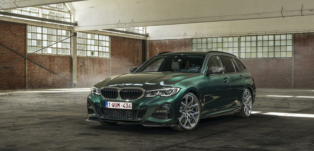 BMW 3 Series Touring Peridot Green 00 1260x608
