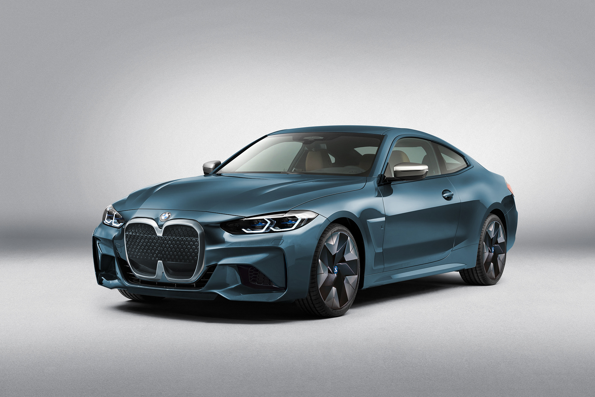 BMW i4 Coupe Render BMW i440 1