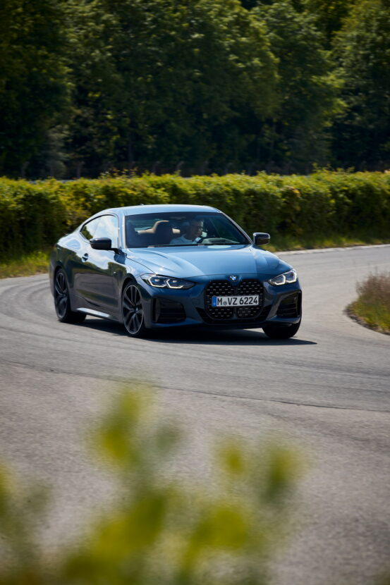 Digital Premiere for the new BMW 4 Series Coupe 18 553x830