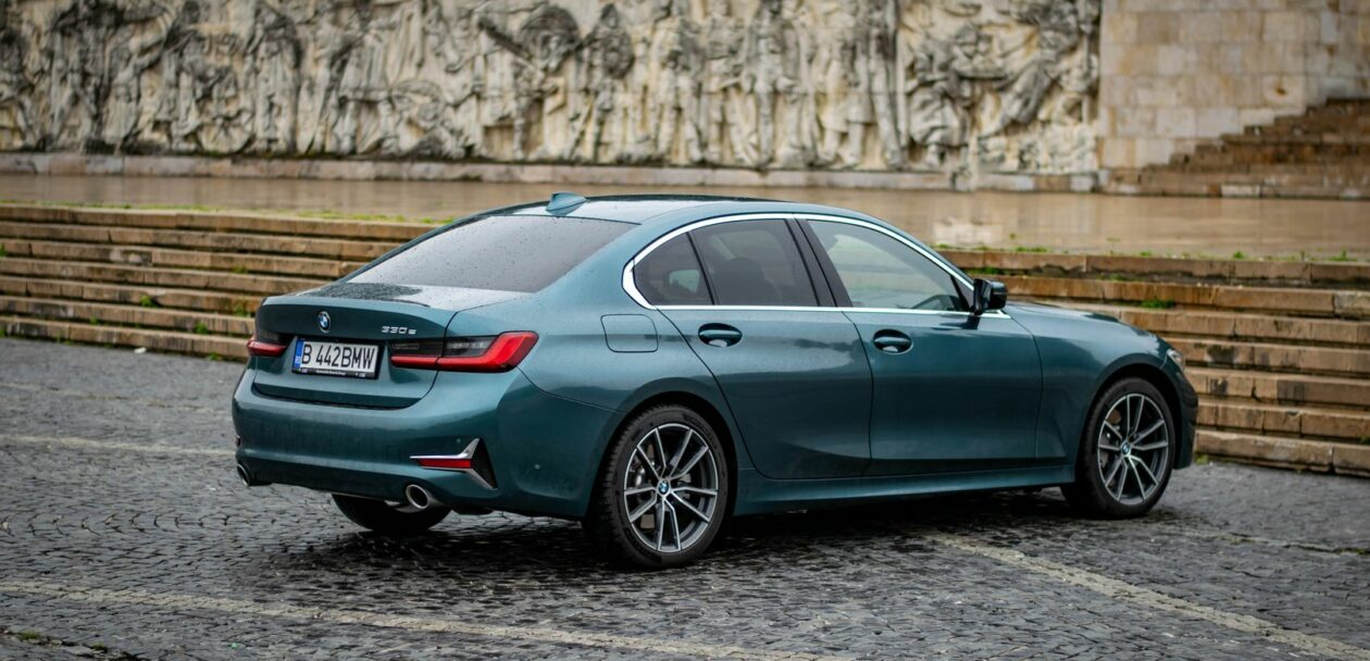 test drive: 2021 bmw 330e plug-in hybrid - use it wisely