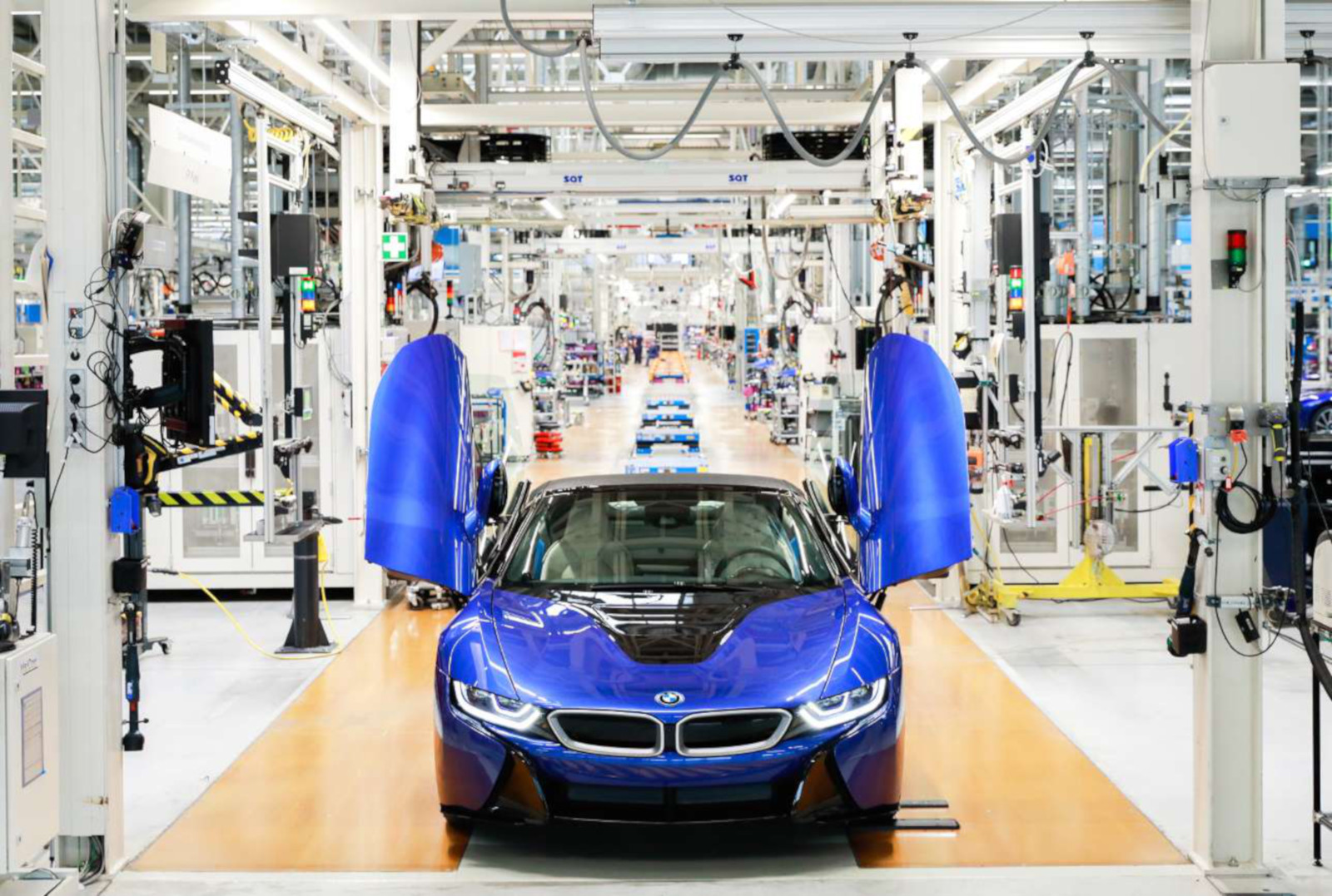 The Last Bmw I8 Built Is A Stunning One Painted In Portimao Blue