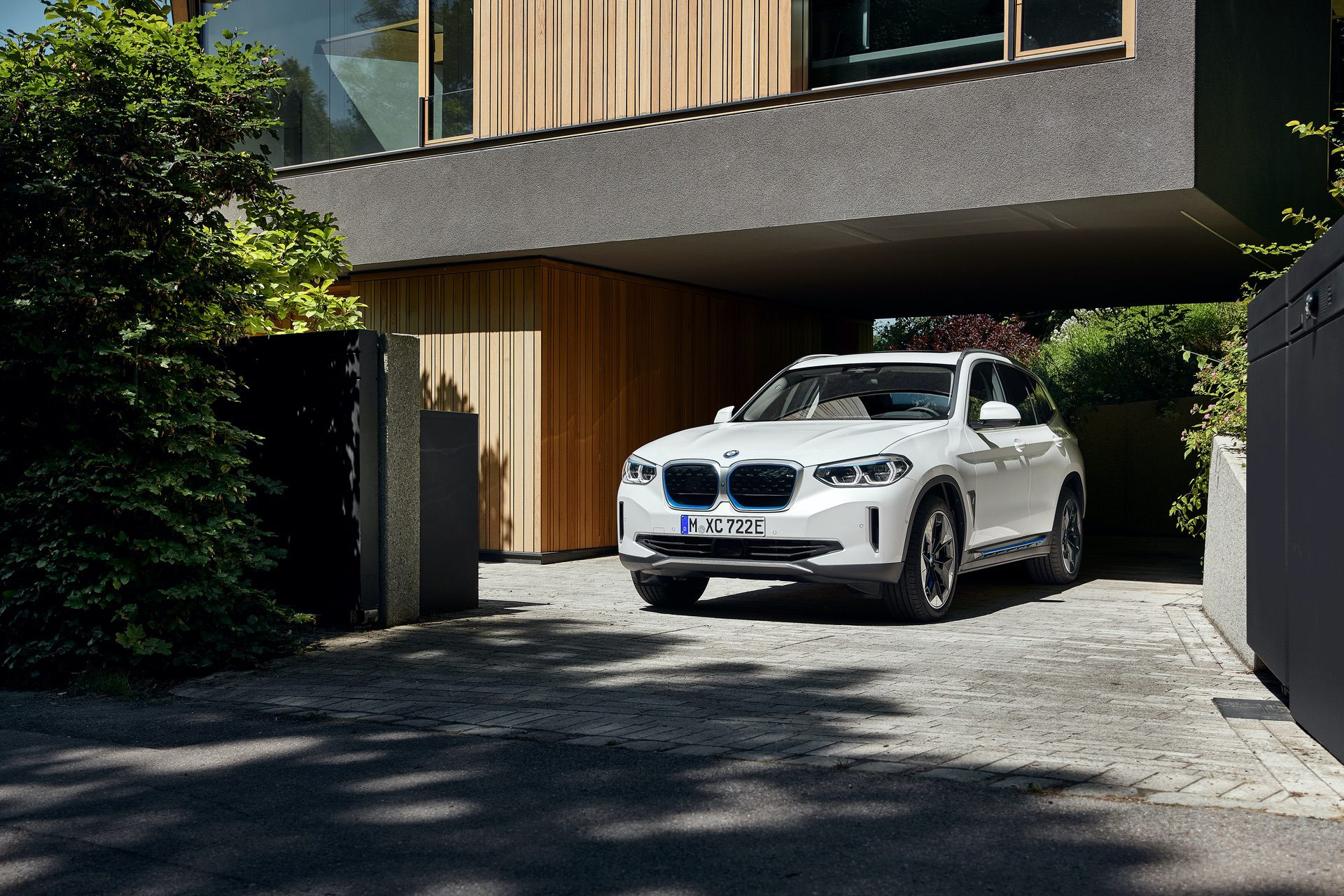 2020 BMW iX3 electric SUV 15