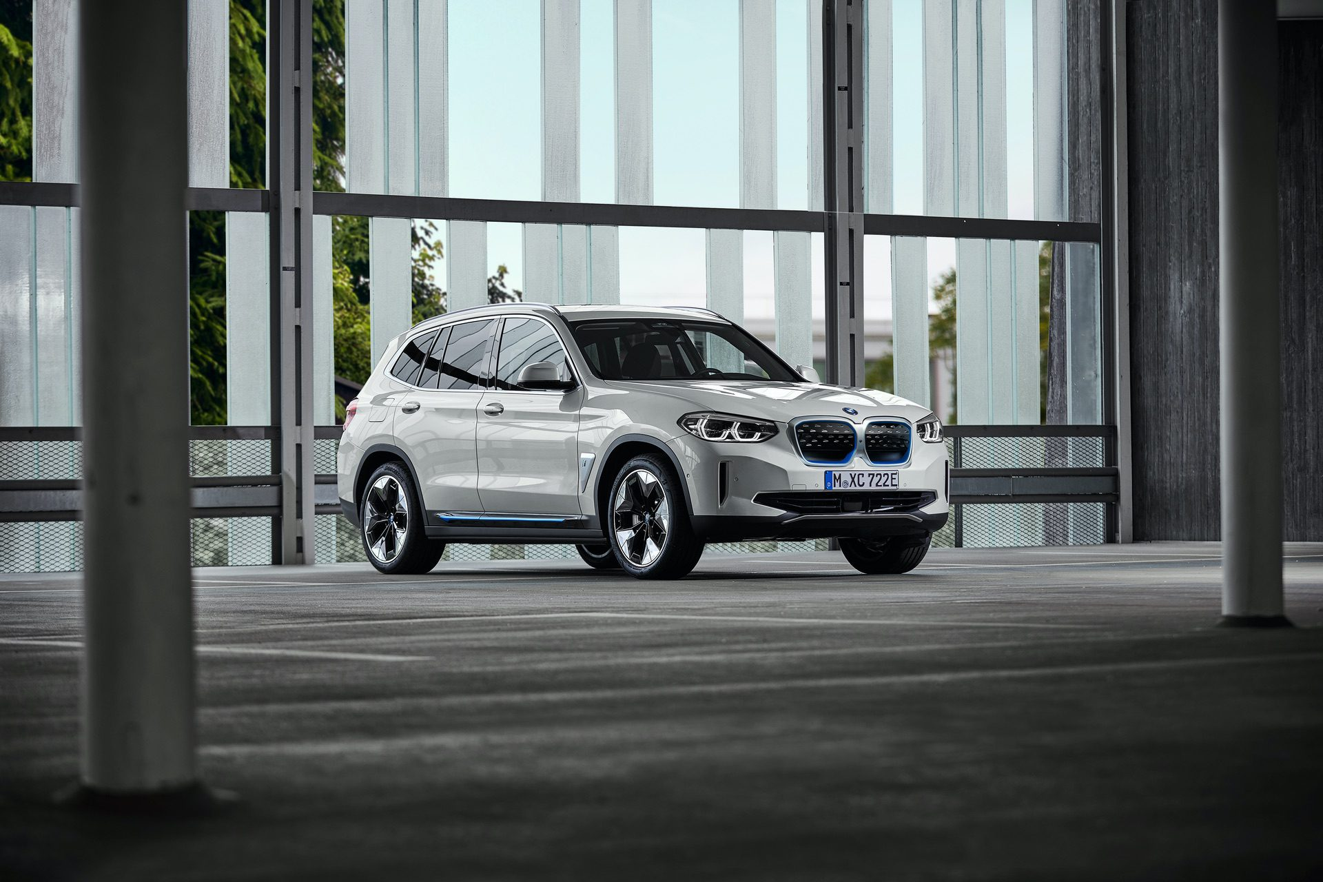 2020 BMW iX3 electric SUV 28