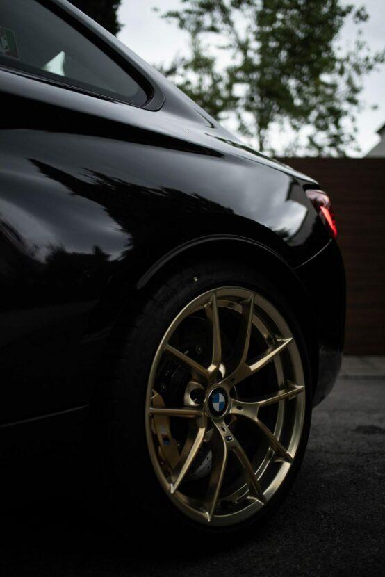 BMW M2 CS Black Sapphire 01 554x830