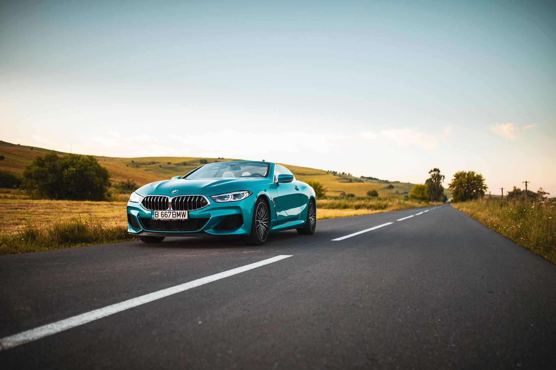 BMW M850i Atlantis Blue 32