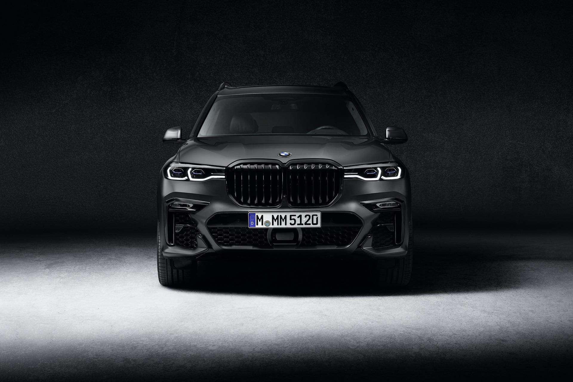 BMW X7 Dark Shadow Edition 05