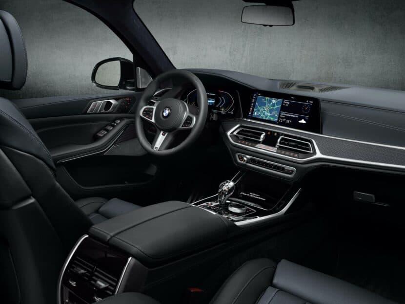 BMW X7 Dark Shadow Edition 07 830x622