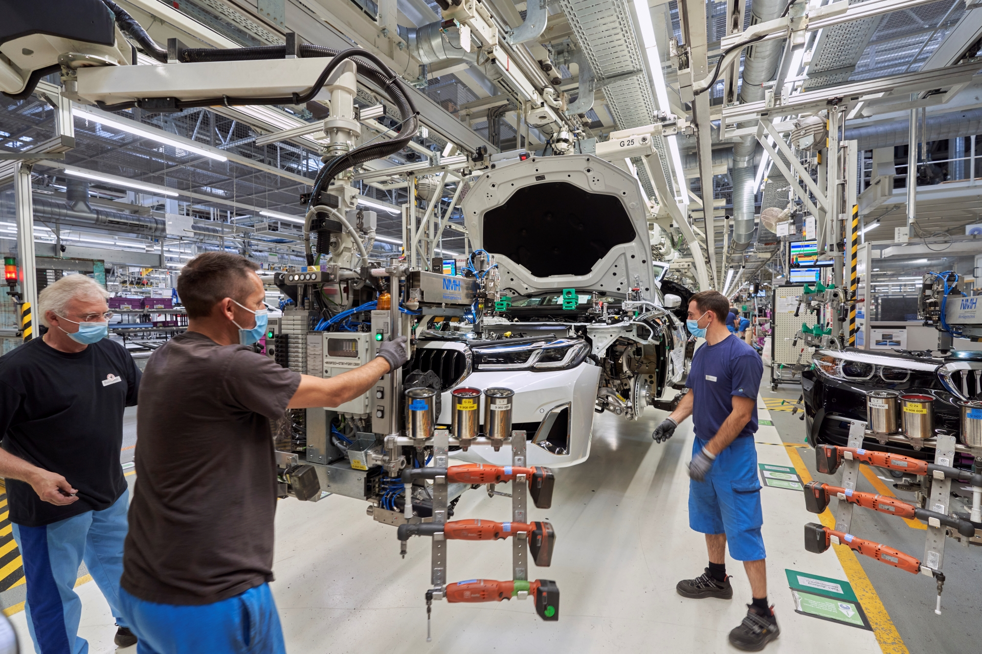 BMW starts LCI 5 Series production at Dingolfing 2