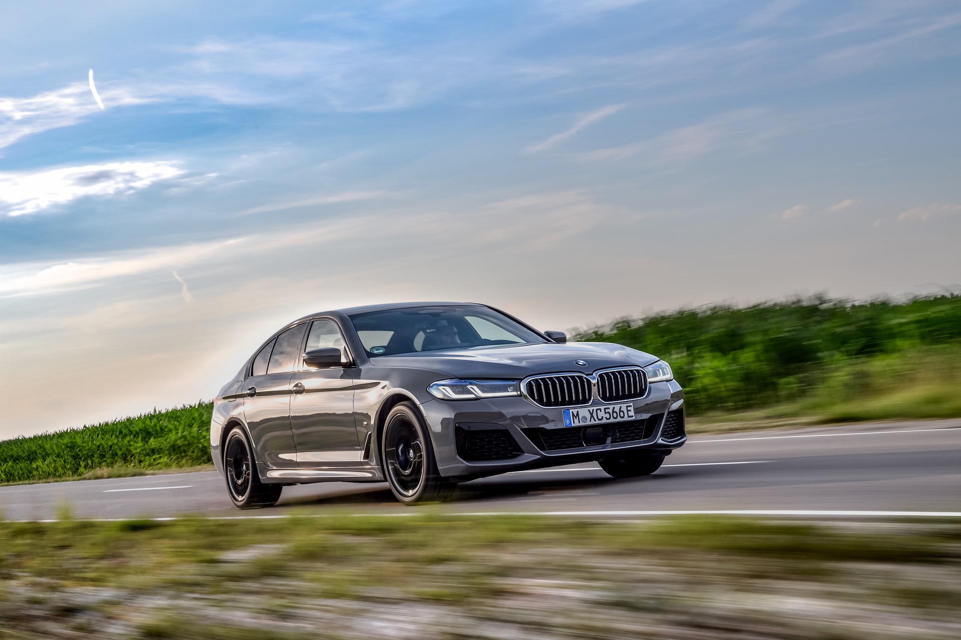 2020 BMW 545e test drive review 21