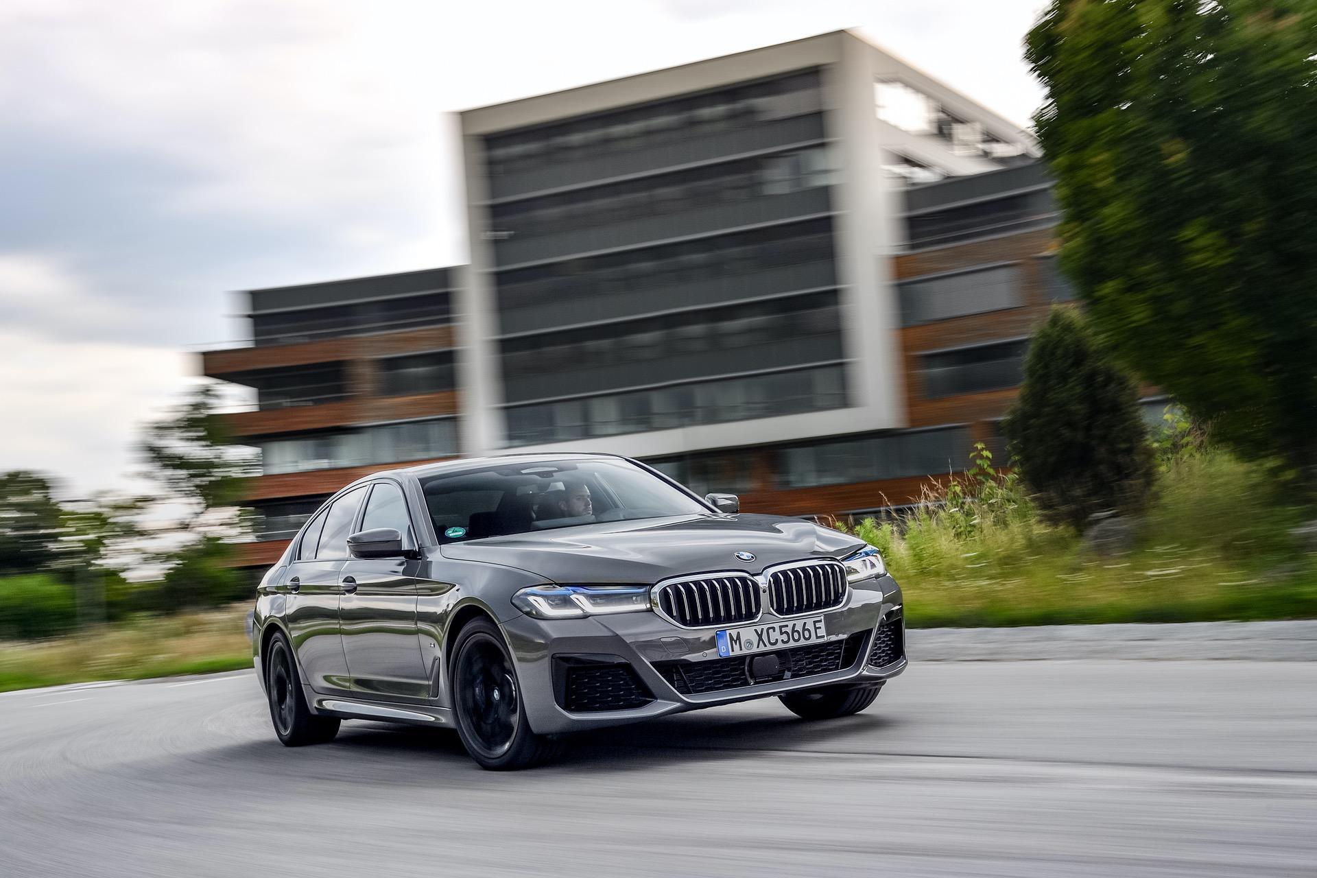 2020 BMW 545e test drive review 26