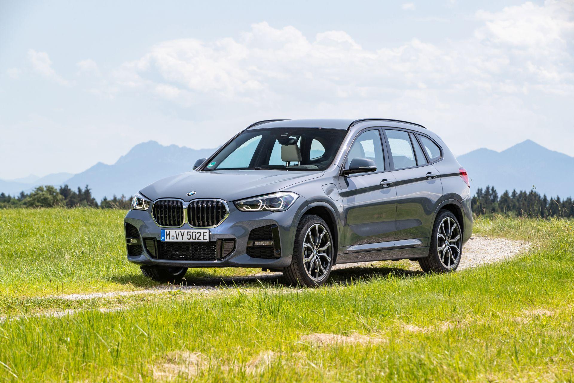 2020 BMW X1 xDrive25e 31